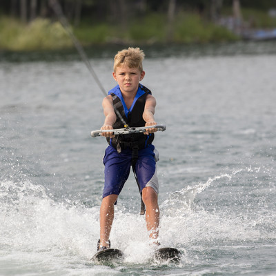 waterskiing